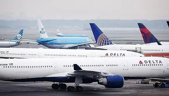 美国达美航空公司一架飞机从东京飞抵上海