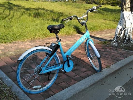 成像非常锐利,单车上的文字放大100%仍清新可见.-联想PHAB2 图片