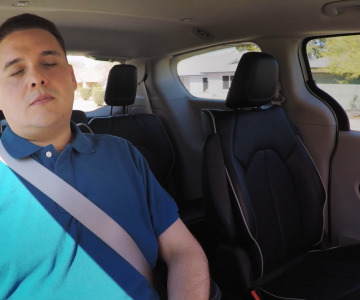 Waymo再发自动驾驶宣传视频 用户竟然敢在测试车里睡觉